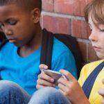 ¿Cómo saber si mi hijo o mi hija tienen adicción al móvil?