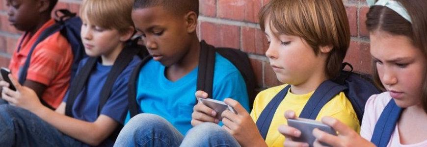 adiccion movil infantil - ¿Cómo saber si mi hijo o mi hija tienen adicción al móvil?